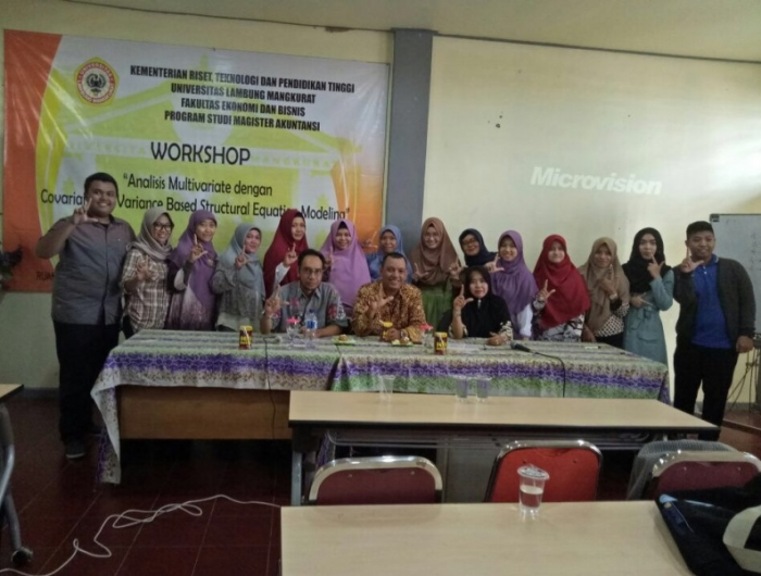 "Workshop Analisis Multivariate Dengan Covariance VS Variance ""Based Structural Equation Modelling (SEM)"" oleh Fuad, Ph.D"